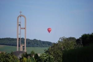 Une montgolfière dans le ciel foucarmontais