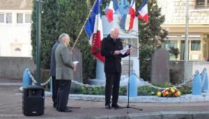 Lecture du message de M. le Secrétaire d'Etat aux Anciens Combattants par le Maire