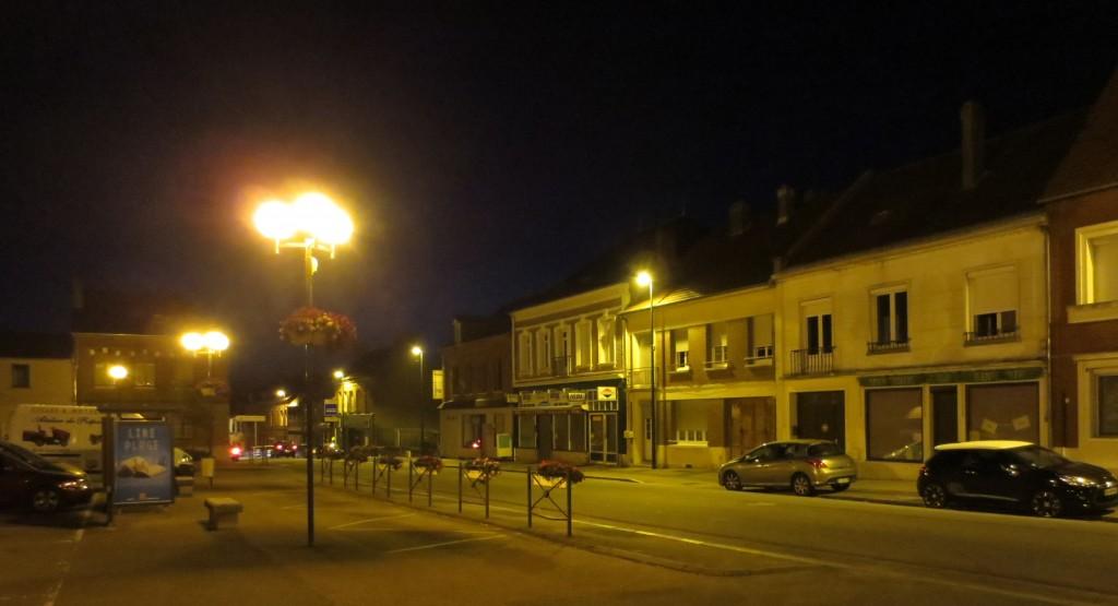 La Place des Cateliers et la Rue Douce demeurent éclairées toute la nuit.